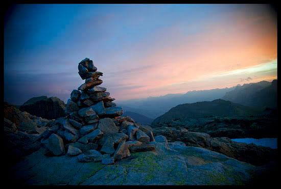 Cairn dans le massif des Aiguilles Rouges