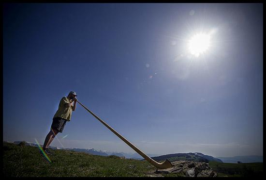 Joueur de cor des Alpes au Salève