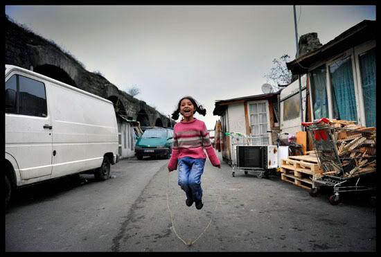 enfant rom à Paris