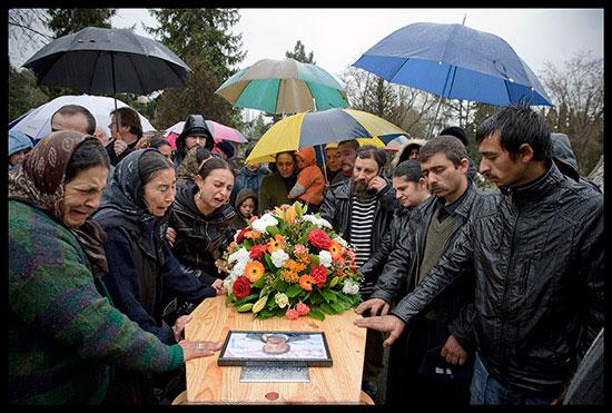 Enterrement d'un Rom migrant
