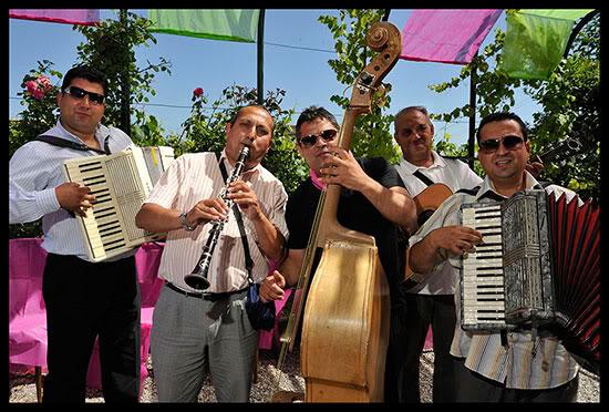 Musiciens roms à un mariage, Satigny