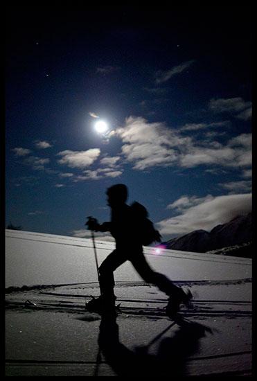Randonée à ski au clair de lune à la pointe d'Andey