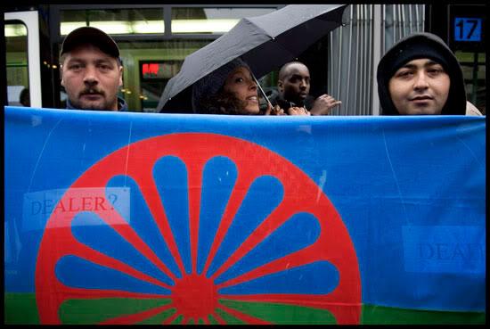Rassemblement de Roms et de Genevois contre la campagne du MCG
