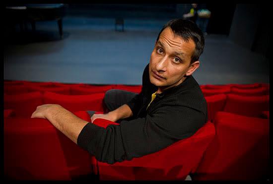 Rodrigo Balogh, acteur, auteur et metteur en scène rom de Hongrie