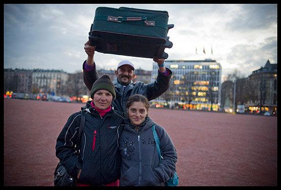 Roms migrants avec un valise