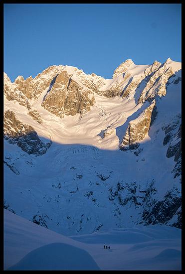Soleil levant sur le Glacier de Frébouze
